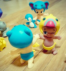 High Five (Lawdeda ) Tags: favorite animal word fun toy high babies with five woo f friday hoo helmets my picmonkey twozies