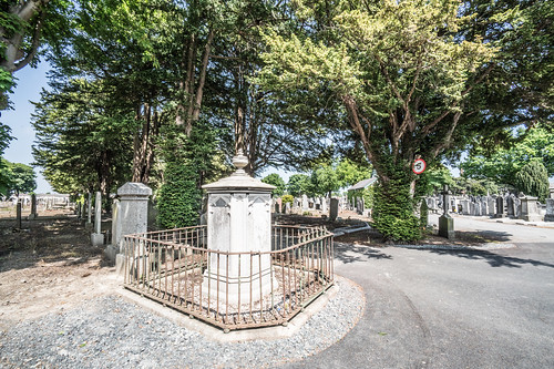MOUNT JEROME CEMETERY AND CREMATORIUM IN HAROLD'S CROSS [SONY A7RM2 WITH VOIGTLANDER 15mm LENS]-117106