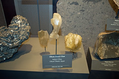 Libyan Desert Glass (stevesheriw) Tags: washington dc smithsonian nationalmuseumofnaturalhistory meteorite libyan desert libyandesertglass