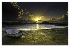 Regatn 001 (KANPAZ) Tags: travel sunset sea summer sky green sol beach nature water marina landscape boat mar nikon barco playa natura paisaje mario arena nubes yelow laredo ocaso cantabria naturephotography 18105 cantabrico verdin nikor regaton d7000
