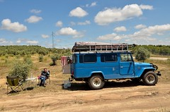 Time for a picnic [Andujar / Spain] (babakotoeu) Tags: car jeep offroad 4x4 toyota land series 40 landcruiser cruiser troopy bj40 40series bj45