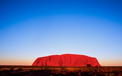 Uluru at sunset. Northern Territory, Australia. 2013 Tom Crossan (PROSECMAN) Tags: sunset australia worldheritagesite uluru northernterritory ayresrock tomcrossan nikond800 uluruatsunset tomcrossanphotography markgrayphototours zeiss25mmx28lens