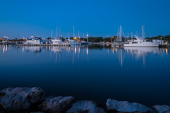 Blue hour at the marina (Ed Rosack) Tags: blue usa reflection water night marina landscape dawn boat florida calm clear titusville watercraft centralflorida merrittislandnationalwildliferefuge minwr
