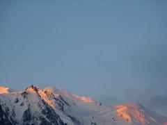Mont Blanc au petit matin (Fabien Pierre) Tags: mountain alps montagne alpes soleil tour midi mont blanc montblanc levée tmb aiguille