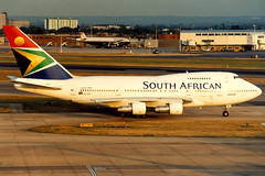 South African Airways | Boeing 747SP | ZS-SPE | London Heathrow (Dennis HKG) Tags: london plane airplane airport heathrow aircraft sa boeing boeing747 747 saa lhr southafrican planespotting egll 747sp boeing747sp zsspe