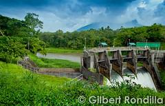 Botocan Dam (Gilbert Rondilla) Tags: rural river nikon cloudy dam philippines falls cliffs rainy filipino laguna province pinoy hydroelectric majayjay nikkorlens floodgates nikond90 gilbertrondilla gilbertrondillaphotography botocan duminding