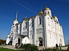 Azul y blanco (Jesus_l) Tags: europa vladimir rusia catedraldeladormicin jesusl