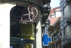 ASTORGA (LEON-SPAIN) (ABUELA PINOCHO ) Tags: espaa spain pueblo ciudad leon astorga afilador ferreteria castillayleon