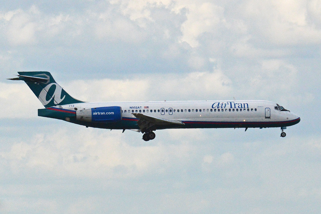 Boeing 717-2BD 'N952AT' AirTran by Hawkeye UK, on Flickr