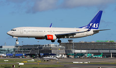 SAS 737-800 LN-RGE (birrlad) Tags: dublin airplane airport aircraft aviation airplanes landing airline 28 boeing arrival airways sas approach airlines runway dub airliner 737 arriving 737800 73786n lnrge
