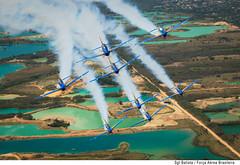 Fumaça Já! (Força Aérea Brasileira - Página Oficial) Tags: fab aircraft airforce fumaça voo airtoair esquadrilhadafumaça eda acrobacia fotoaérea monomotor a29 arar forçaaéreabrasileira supertucano demonstracao embraera29supertucano