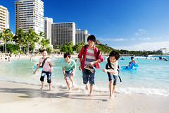 Running of Joy (sim_limited) Tags: shadow beach kids children hotel waikiki outdoor wave run nephew splash sons parmtree hwaii pentaxlife pentaxart