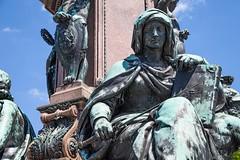 Allegorie: Gerechtigkeit (epemsl) Tags: mnchen figur allegorie gerechtigkeit maxmonument maxiidenkmal