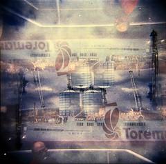 [Holga e le Sue Sorelle] Piombino - Toremar (Urca) Tags: 120 6x6 film mediumformat holga lomo italia squareformat multi doppiaesposizione 2016 isoladelba riomarina doubleexposureanalogic holgalomo1201606110002