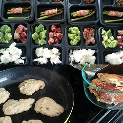 Day off from work. Lounging with the pup. Prepping all kinds of fancy gains this week. Just waiting on some chicken and rice, and I'm all set! #mealprep #macros #pancakes #proteinpancakes #iifym #bananapancakes #steak #protein #carbs #fit #fitness #fitspo (swoletron) Tags: bodybuilding health fitness gym fit nutrition lifting powerlifting beastmode instagram doyouevenlift