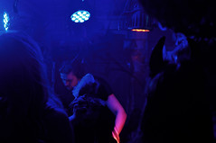 ([gegendasgrau]) Tags: city blue light people urban music house motion disco licht movement dj mood moody leute dancing joy deep atmosphere minimal menschen stadt bewegung techno blau musik electronic dortmund tanzen freude urbanlife ambiance 2014 discjockey stadtleben atmo devilsmask
