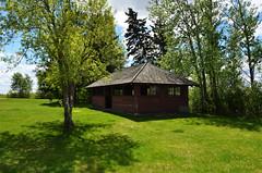 Old Picnic Shelter (pokoroto) Tags: old summer canada picnic may manitoba shelter satsuki 2016 5   gogatsu  fastmonth  28