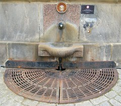 Harrogate, Yorkshire, sulphur water tap (rossendale2016) Tags: eye water warning grate healthy notice drink no yorkshire dont health smell disgusting eggs sulphur taste horrible rotten tap harrogate spa consume poisonous watering odour acrid undrinkable eyewatering nonhealthy