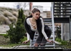 Gabriela - 2/6 (Pogdorica) Tags: sexy chica retrato modelo tacones gabriela sesion vaquero posado