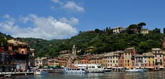 Portofino (Irene Grassi (sun sand & sea)) Tags: sea italy mountain reflections boats italia mare liguria barche case riflessi portofino lungomare montagna golfo facciate montediportofino barcheboats parcodiportofino