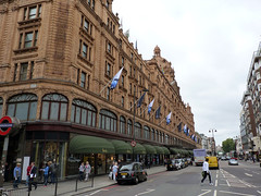 (Mitchell Lafrance) Tags: uk travel vacation holiday london unitedkingdom harrods 2010