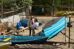 Relooking (Phil_Heck) Tags: bateau port barque restauration activité réfection réparation relooking travaux extérieur pointecourte sète boat nikon