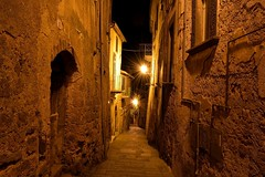 Untitled (Gianluca 2.0) Tags: street light italy night photography italia lazio bagnoregio