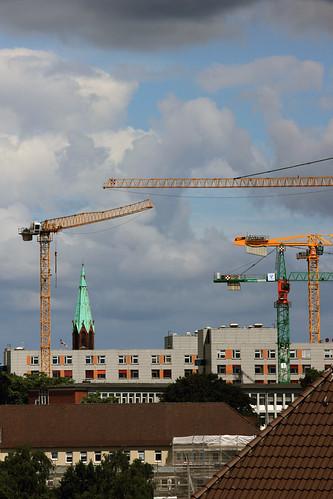 """Über den Dächern (05) • <a style=""""font-size:0.8em;"""" href=""""http://www.flickr.com/photos/69570948@N04/27918132992/"""" target=""""_blank"""">View on Flickr</a>"""