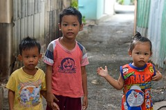 brother, sister, friend (the foreign photographer - ) Tags: portraits children thailand three nikon friend sister brother bangkok khlong bangkhen thanon d3200 jul102016nikon