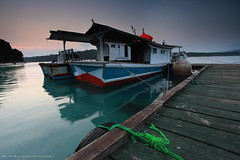 Morning at Peucang Island (franciscus nanang triana) Tags: sunrise pagi morning dermaga jetty kapal perahu boat wooden kayu pantai peucang pulau island landscape ujung kulon banten taman nasional trip travel foto photo waterscape franciscus nanang triana