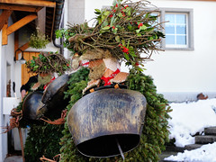 Forest Silvesterklaus (Markus CH64) Tags: st schweiz nikon sylvester kultur klaus mummers markus appenzell brauchtum waldstatt 2013 ch64 ausserrhoden d3s silvesterkluse silvesterklaus silvesterchlaus