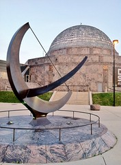 Man Enters The Cosmos (ArtFan70) Tags: sculpture usa chicago art america illinois unitedstates adler il sundial moore planetarium henrymoore museumcampus adlerplanetarium nearsouthside manentersthecosmos northerlyislandpark