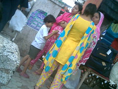 sexy-aunties-in-pakistan-naked-umbrella-girl