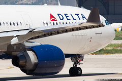 Delta Air Lines Airbus A330-323X N818NW / 5641 cn 857 (Clment Alloing - CAphotography) Tags: barcelona lines cn canon airplane airport aircraft air bcn delta airbus balcon aeropuerto spotting t1 barcelone 857 100400 5641 a330323x 07l lebl 25r n818nw