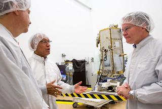 NASA Administrator Views OCO-2 Satellite (201308090008HQ)