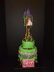 Repunzel cake by Yvonne, Twin Cities, MN, www.birthdaycakes4free.com