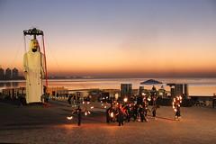 Ensayos hasta el amanecer en Qatar (20) (Carros de Foc) Tags: show street festival giant october theater village eid ali story puppets baba cultural katara foc explanade aladha 2013 carrosfoc carrosde