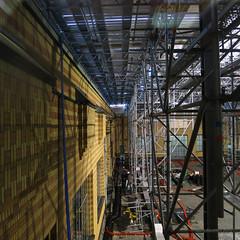 Een verbouwing is een kunst op zich. (Harry -[ The Travel ]- Marmot) Tags: holland dutch architecture modern scaffolding nederland moderne gemeentemuseum hollands architectuur reconstruction verbouwing berlage binnenplaats haags gemeentemuseumdenhaag steigerwerk