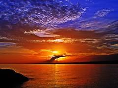 Los caprichos de las nubes (Antonio Chacon) Tags: blue sunset españa night atardecer photography mar spain cloudy photos andalucia fotos nubes costadelsol puestadesol málaga marbella potd:country=es