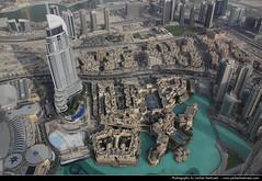 View from the Burj Khalifa, Dubai, United Arab Emirates (JH_1982) Tags: building tower skyline skyscraper canon observation eos eau downtown dubai cityscape view united uae emirates deck khalifa arab worlds highrise emirate unis burj  tallest vae unidos  duba   rabes arabes emiratos vereinigte arabische dubayy  60d  mirats           dubi