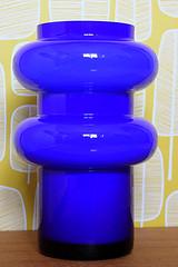 Vase P O Strm Alsterfors Sweden (Ankar60) Tags: blue wallpaper glass vintage design o sweden swedish retro 70s vase p sverige 1970 1970s seventies 70 glas tal svensk vas bl alsterfors glasbruk tapet strm svenskt sjuttiotal