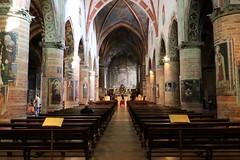 interno della Chiesa di San Francesco - Lodi (raffaele pagani) Tags: italy church canon italia chiesa lombardia lodi lombardy northitaly norditalia chiesadisanfrancesco italiadelnord italiasettentrionale