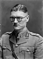 Hugo McNeill, head and shoulders portrait (National Library of Ireland on The Commons) Tags: one general theemergency majorgeneral nationallibraryofireland brendankeogh glaighnisintanahireann thekeoghphotographiccollection keoghbrothersltd hugomacneill organisationofnationalexservicemenandwomen hugomcneill