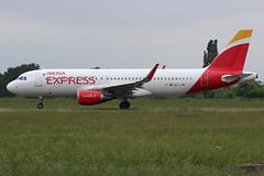 Airbus A320-216 Iberia Express EC-LYM (herpeux_nicolas) Tags: airbus a320216 a320200 airbusa320216 msn5815 cn5815 iberiaexpress i2 ibs eclym fwwbm ib3651 takeoff dcollage lfrn rns rennessaintjacques