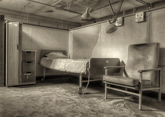 Palliative Care (D-Kay2009) Tags: abandoned canon hospital bed chair cubicle urbanexploration westpark ward asylum ue urbex dkay 450d decayderelict dkay2009
