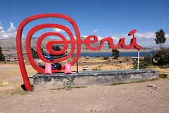 Peru (Julien Falissard) Tags: city lake black peru uros titicaca nature port cat island boat chat eau floating lac ciel condor bateau roseaux ville puno les prou flottantes