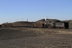 I_B_IMG_7448 (florian_grupp) Tags: china railroad train landscape asia mine desert muslim railway steam xinjiang mikado locomotive ore js steamlocomotive 282 opencastmine yamansu