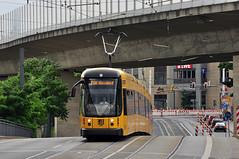 Bombardier NGTD12DD #2830 DVB Dresden Drezno (3x105Na) Tags: germany deutschland dresden tram sachsen 2830 strassenbahn bombardier tramwaj dvb niemcy drezno saksonia ngtd12dd