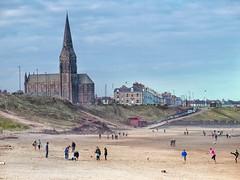 Tynemouth Long Sands (foggyray90) Tags: tynemouth cullercoatsparishchurch summer outdoor longsands stgeorgeschurch strolling playing coast beach seaside whitesand sand