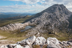 An Ruadh-Stac from Maol Chean-dearg (Francis Mansell) Tags: mountain rock scotland outdoor loch geology quartzite westerross lochan scottishhighlands maolcheandearg anruadhstac cambrianquartzite